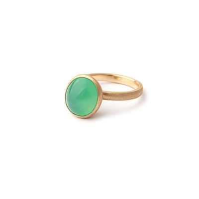 Gouden ringen met edelsteen.