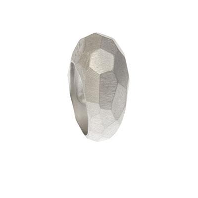 Zilveren ring met vlakken