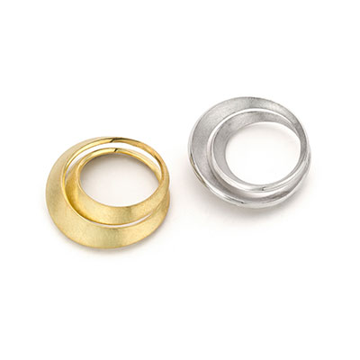 Ring van goud en ring van zilver.