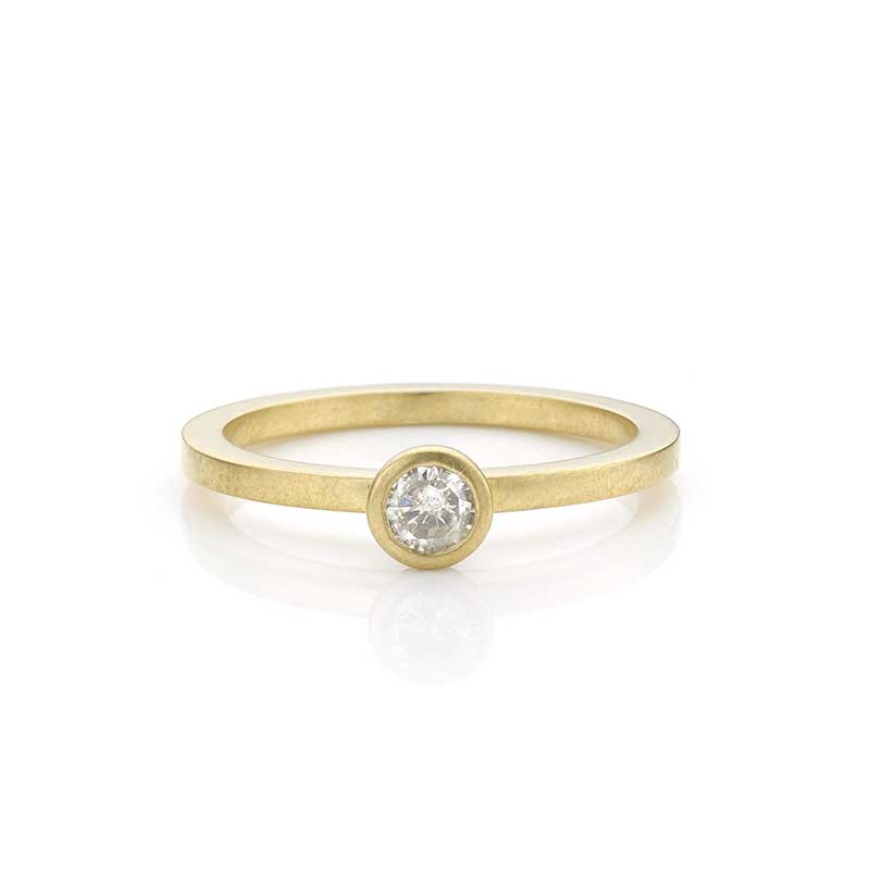 Gouden ring met diamant.