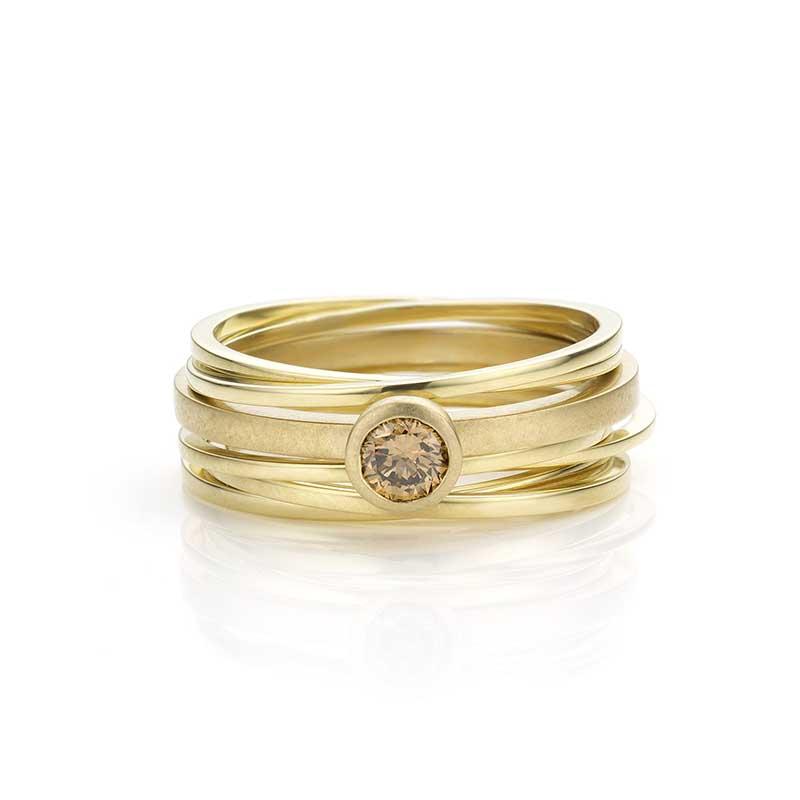 Set ringen met diamant.